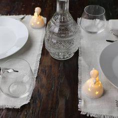 Angioletto led piccolo e luminoso in ceramica bianca