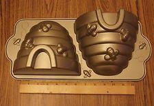 NORDIC WARE BEE HIVE NON-STICK CAST ALUMINUM CAKE PAN