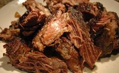 Nothing compares to the flavor of a slow cooked chuck roast. The tender beefy taste of a well prepared chunk of beef is something that meat-lovers dreams are made of. Chuck Roast In Oven, Chuck Roast Recipe Oven, Chuck Roast Recipes, Beef Chuck Roast, Roast Beef, Chuck Steak, Slow Cooker Roast, Slow Cooker Recipes, Side Dishes