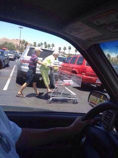 awebic-casal-idosos-se-divertindo-5