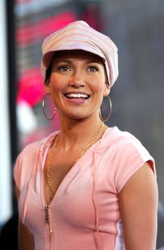 Jennifer Lopez in Jennifer Lee, Ben Affleck, Mtv, Nick And Jessica, 2000s Fashion Trends, 1990s Trends, Fashion Brands, Fashion Tips, Hollywood Scenes