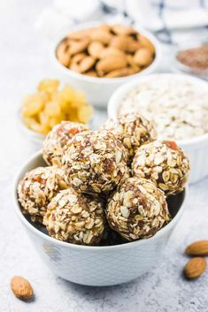 Another amazing bliss balls recipe to give you energy so you can thrive during the day, while enjoying a sweet, healthy treat you'll definitely love. Spirulina Powder, Speed Up Metabolism, Bliss Balls, Balls Recipe, Oatmeal Recipes, Healthy Sweets, Sweets Recipes, Sin Gluten, Finding Nemo