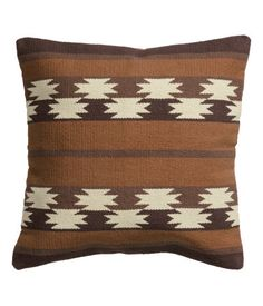 H&M Jacquard-weave cushion cover Find Furniture, Home Decor Furniture, Interior Design Services, Home Interior Design, Navajo, Harlem Apartment, London Living Room, Brown Cushions, H&m Home