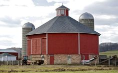 Round Barn Missouri | and noteworthy barns, and discusses the disappearance of barns ...