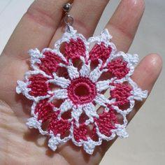 pendientes flor rosa y blanca de ganchillo  acero inoxidable,hilo de algodón ganchillo,endurecido textil
