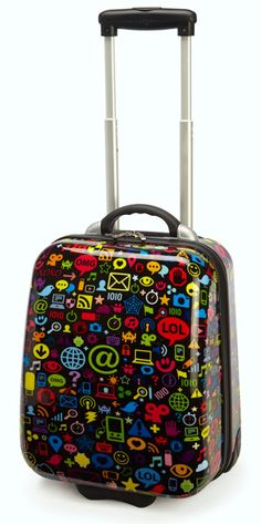 Great kid sized hard-side wheelie case... Travel Kool with TrendyKid travel gear