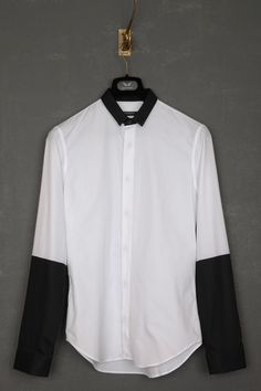 UNCONDITIONAL / UNCONDITIONAL WHITE SHIRT WITH BLACK PIQUE CONTRAST SMALL COLLAR AND 1/2 ARM