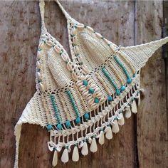☮ American Hippie Bohéme ☮ Summer Festival Boho ☮ Crochet Halter Top ❤ Bohème The peach skin Crochet Halter Tops, Motif Bikini Crochet, Bikinis Crochet, Crochet Bra, Crochet Summer Tops, Crochet Crop Top, Crochet Woman, Crochet Clothes, Hippie Boho