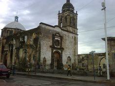 """Iglesia en la ciudad de """"Valle de Santiago"""" en el estado de Gto. Valle de Santiago El País de las Siete Luminarias"""
