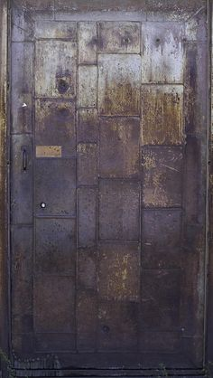 DIY barn door can be your best option when considering cheap materials for setting up a sliding barn door. DIY barn door requires a DIY barn door hardware and a Industrial Office Design, Industrial Door, Industrial Chic, Barn Doors For Sale, Diy Barn Door, Metal Barn, Rusty Metal, Old Doors, Sliding Doors