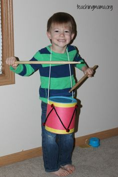 Create a homemade drum with just a few materials and play while reading The Little Drummer Boy. Drums For Kids, Drum Lessons For Kids, The Little Drummer Boy, Little Boys, Kids Christmas, Christmas Crafts, Christmas Classics, Homemade Drum, Drums Quotes