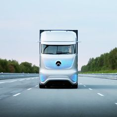 """Mercedes-Benz's self-driving truck set for Europe's roads """"in 10 years"""". - LGMSports.com"""