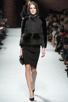 Nina Ricci PFW Fall 2014: http://juliapetit.com.br/moda/semana-de-moda-de-paris-outono-inverno-2014/