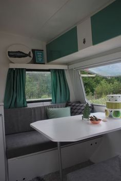 willy_wilk_treinzit_makeover_caravan_na