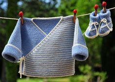 layette ensemble mérinos 1-3 mois rayé bleu et écru neuf tricoté main brassière et chaussons : Mode Bébé par com3pom