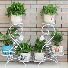 image Balcony Plants, House Plants Decor, Plant Decor, Garden Deco, Garden Art, Garden Design, Apple Kitchen Decor, Indoor Flower Pots, Metal Plant Stand