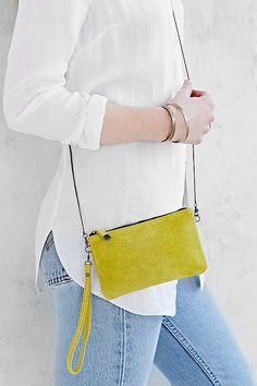 27 Small Bags That Look Good With Any Outfit