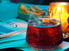 We've moved on from the summery Negroni, and sampling a Boulevardier in this post. How was I introduced to this warming winter cocktail? Find out here!