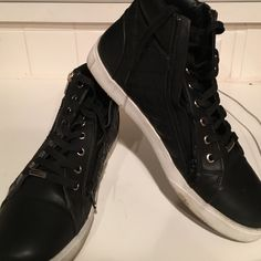 Spotted while shopping on Poshmark: STEVE MADDEN leather high tops! #poshmark #fashion #shopping #style #Steve Madden #Shoes