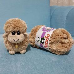 crochet teddy bears Sepet rmeyen bi ben kalmtm bi el ataym dedim u duruma Herkese mutlu pazarlar Crochet Sheep, Crochet Teddy, Easter Crochet, Crochet Doll Pattern, Crochet Toys Patterns, Stuffed Toys Patterns, Cute Crochet, Crochet Animals, Crochet Crafts
