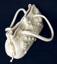 Haak zelf deze prachtige designer tas. Patroon gevonden op happyhaken.blogspot.nl