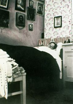 15 intimate snapshots of the Romanov family, shortly before their execution Olga Romanov in her bedroom.