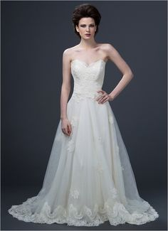 A line sweetheart gown by Sareh Nouri
