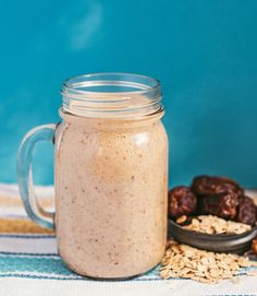 Cinnamon Bun Smoothie 1 ½ cups almond milk  1 tsp cinnamon to taste  1 tsp vanilla extract  1 large frozen banana  1 tbsp almond butter  1 tbsp pecan pieces  5 pitted dates  ¼ cup oats  1 tsp amla powder, optional
