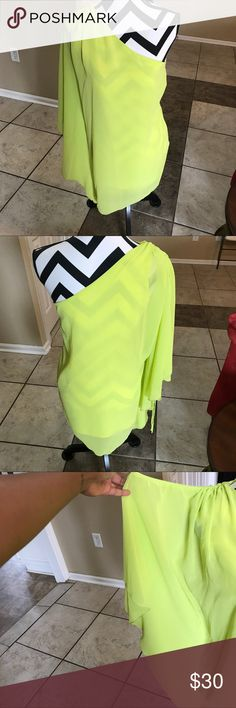 Umgee Bright Lime Green/Yellow Dress I've never worn this dress but it's super cute! Was given to me by my mom. Bright lime green/yellow color. Sleeveless/one shoulder cocktail dress. There is a slip under the thin material so you won't see through. No tags. Let me know if you have any questions! Umgee Dresses One Shoulder