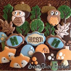Woodland Cookies -- I particularly like the trees made from oak leaf cutters. Owl Cookies, Fancy Cookies, Iced Cookies, Cute Cookies, Cookies Et Biscuits, Cupcake Cookies, Sugar Cookies, Woodland Party, Woodland Theme