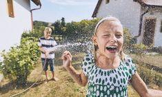 Χάστε γρήγορα βάρος με την δίαιτα των 1200 θερμίδων: Εβδομαδιαίο πλάνο - Mothersblog.gr Child Day, Free Time, Amazing Gardens, Good Times, Childhood, Stock Photos, Children, Boys, Water