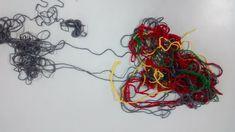 Una trama que nos atrapa. Que vamos desarmando a partir de la lectura. Crochet Necklace, Jewelry, Fashion, Lets Go, Reading, Girls, Moda, Jewlery, Jewerly
