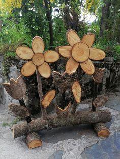 Rustic Wood Crafts, Wood Slice Crafts, Wood Burning Crafts, Diy Garden Furniture, Diy Garden Decor, Garden Art, Tree Carving, Wood Carving Art, Wood Yard Art