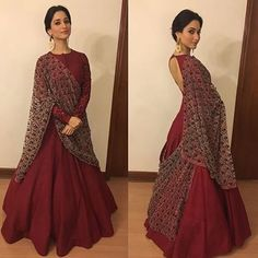 A classic piece by simple, elegant yet majestic ! Indian Gowns, Indian Attire, Indian Ethnic Wear, Pakistani Dresses, Indian Outfits, Indian Clothes, Lehenga Designs, Indian Designer Outfits, Designer Dresses