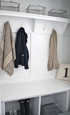 Need an organized mudroom? Make a DIY mud room, even in a small space! These mudroom ideas will have your house organized in no time! Mudroom Laundry Room, Closet Mudroom, Closet Bench, Bathroom Closet, Shoe Closet, Mudroom Cubbies, Bench Mudroom, Garage Laundry, Storage Benches