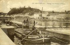 Chateaulin, passage d'un chaland nantais à l'écluse