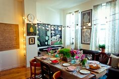 5 Tips for Throwing a Dinner Party in a Small Apartment — Gatherings from The Kitchn | The Kitchn