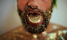 Glitter até na língua! (Foto: Instagram/Reprodução)