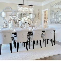 This White Dining Room is incredible . would you dare? This White Dining Room is incredible . would you dare? Dining Room Table Decor, Elegant Dining Room, Luxury Dining Room, Beautiful Dining Rooms, Dining Room Design, Living Room Decor, Dinning Room Chandelier, White Dining Room Table, Dining Room Sets