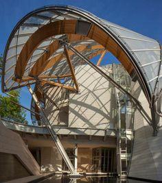 Parijs is een bijzonder museum rijker. Op 27-10 openen de deuren van de Fondation Louis Vuitton, een modern vormgegeven gebouw van architect Frank Gehry.