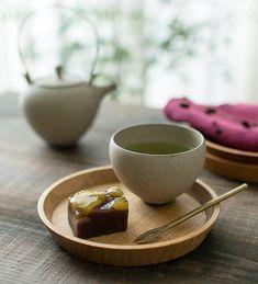 こぼん (クルミ) ki-to-te前田充 うつわのセレクトショップはれいろはれや 和食器、木のうつわ、おぼん、トレー、お茶、和菓子、土瓶