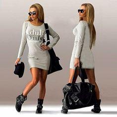 MINI VESTIDO manga larga, dibujo de letras.  Una prenda que nunca puede faltar en el armario de una mujer es un Vestido Mini.  Perfecto para un Look Casual.