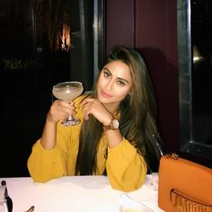 When you bring in Sunday like that ; it has to be a brilliant week ahead ! Krystal Dsouza, Erica Fernandes, Diy Phone Case, Weekend Vibes, Happy Mothers Day, Indian Beauty, Bollywood Actress, Good Times, Bring It On