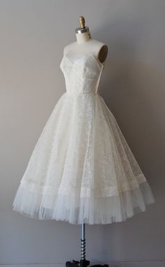 1950s dress / 50s wedding dress / Trillium dress