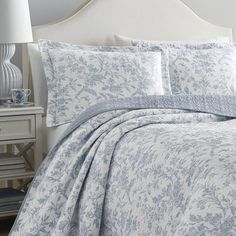 Laura Ashley Amberley Blue Quilt Set | Overstock.com Shopping - The Best Deals on Quilts