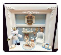 Quadro enfeite porta maternidade com iluminação de led. personalizamos o quadro com nome do seu bebe e com a cor do quartinho  quadro com miniaturas de resina e mdf ,arabescos de resina com dourado ou branco R$ 220,00