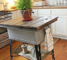 Pileta de latón como mesa de cocina