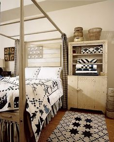 ✯Indigo blue and white antique quilts!