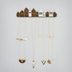 Häuser Schmuck anzuzeigen, Schmuck Halter, Schmuck Aufhänger, skandinavisches Design, Schmuck-Display aus Holz Wohnkultur