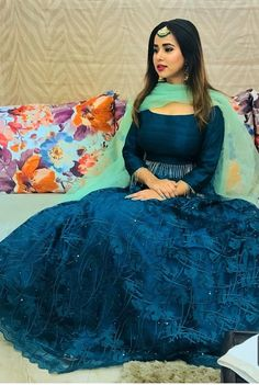 Indian Wedding Gowns, Indian Gowns Dresses, Indian Fashion Dresses, Indian Outfits, Indian Attire, Indian Wear, Girls Dresses, Punjabi Fashion, India Fashion